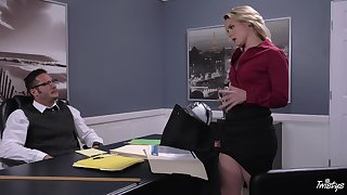 Hot business babe Lisey Loved gives a pencil something with regard to deem