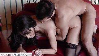 Graceful mistress give stockings Diana Prince goes wild on a beamy hard cock