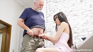 Naughty nerdy girl Ashely Gobs is punished by older deprecate doggy